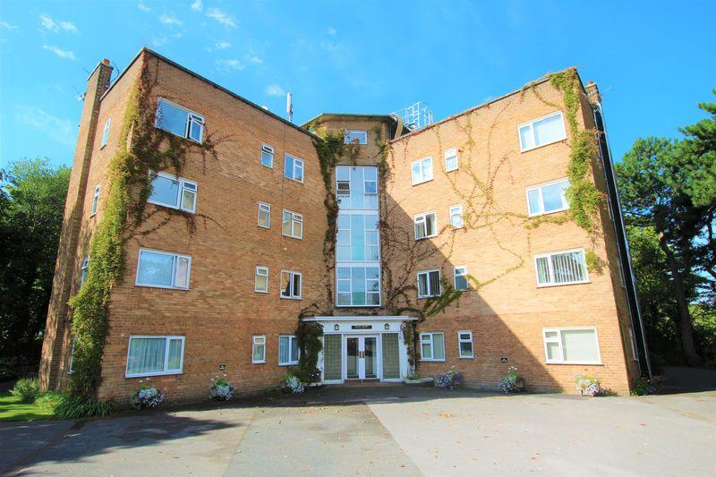 2 Bedrooms Apartment Flat for sale in Telegraph Road, Wirral