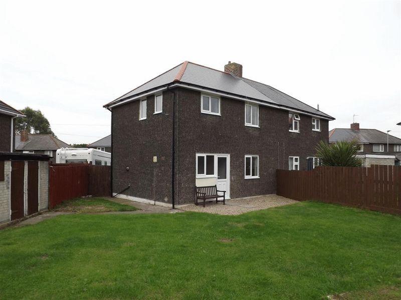 3 Bedrooms Semi Detached House for sale in Rosedene Villas, Cramlington