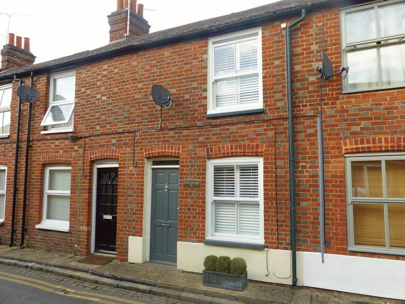 2 Bedrooms Terraced House for sale in Dukes Place, Marlow