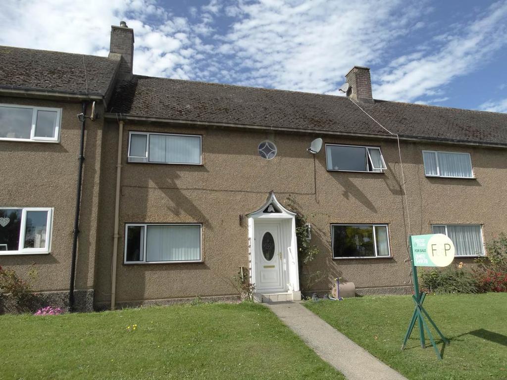 3 Bedrooms Terraced House for sale in 8 Llwyn Onn, Rhos on Sea, LL28 4BZ