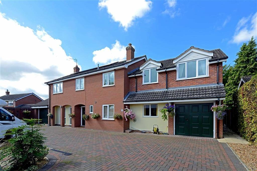 5 Bedrooms Detached House for sale in Newtown, Baschurch, Shrewsbury