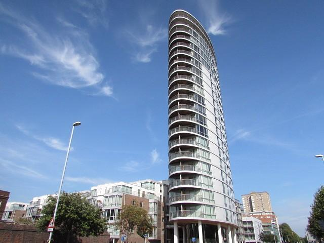 1 Bedroom Flat for sale in Admiralty Tower, Queen Street, Portsmouth, PO1