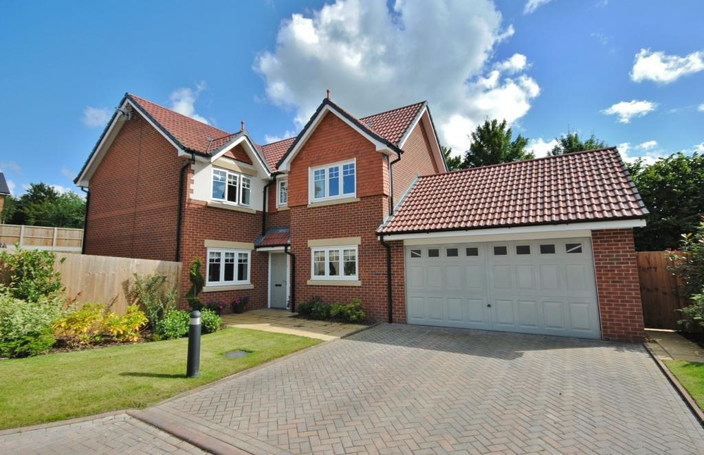 4 Bedrooms Detached House for sale in Curtis Close, Tytherington