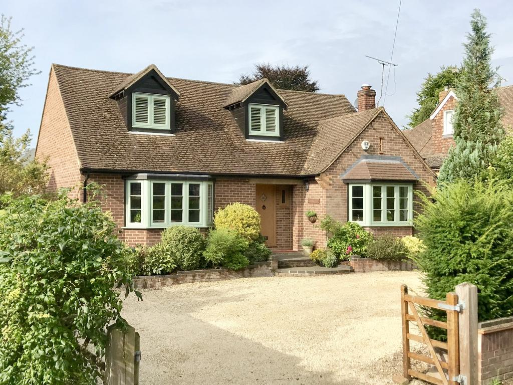 4 Bedrooms Chalet House for sale in Robin Hill, Marlow