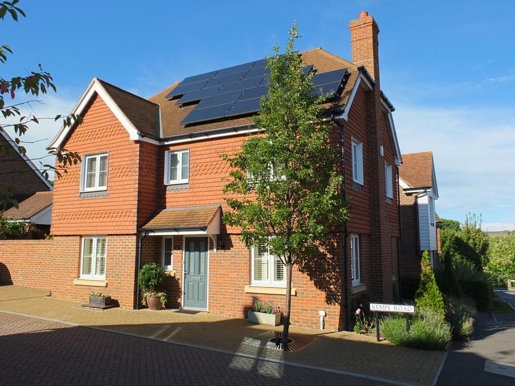4 Bedrooms House for sale in Kempe Road, Lindfield, RH16