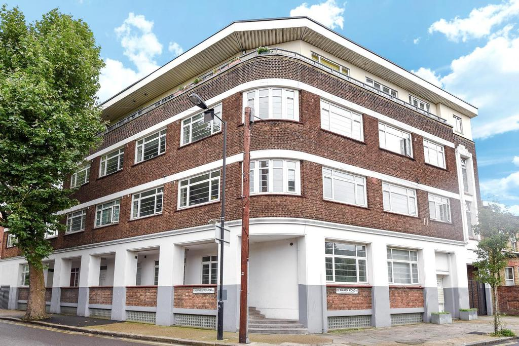1 Bedroom Flat for sale in Denmark Road, Camberwell