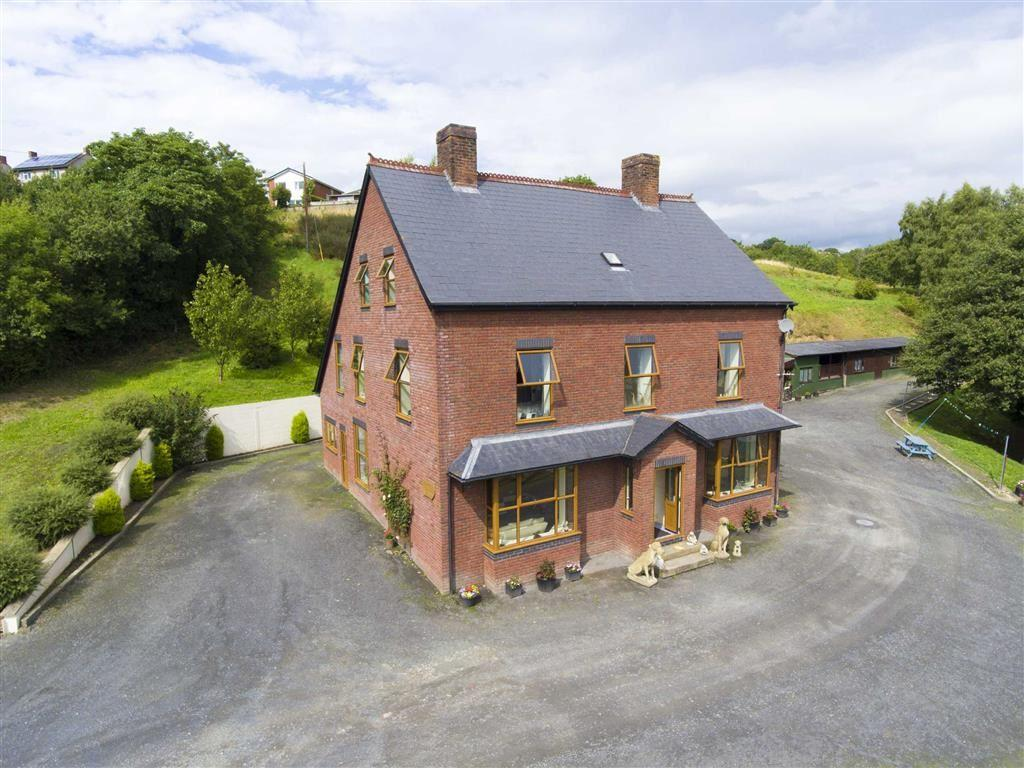 Properties for sale in welshpool bron y buckley welshpool for Buckley house