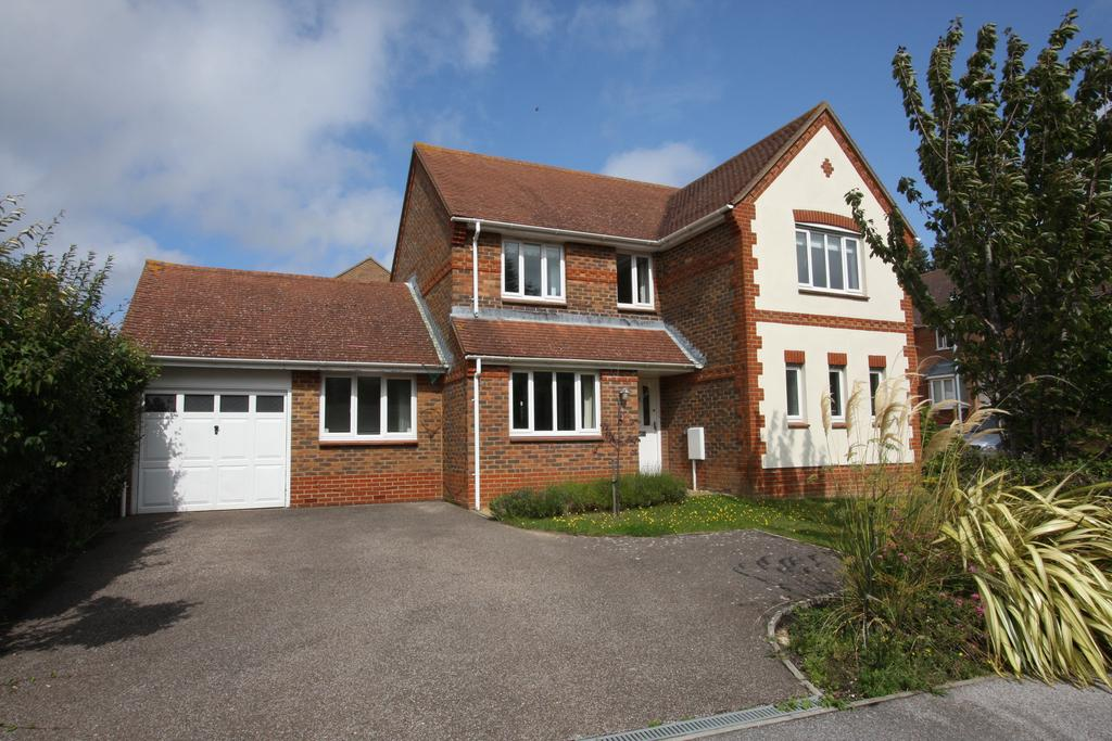 4 Bedrooms Detached House for sale in Selwyn Road, Eastbourne BN21