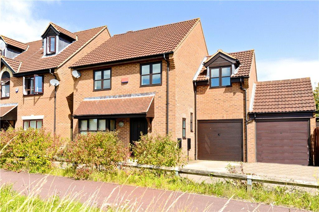 4 Bedrooms Detached House for sale in Cranborne Avenue, Westcroft, Milton Keynes, Buckinghamshire