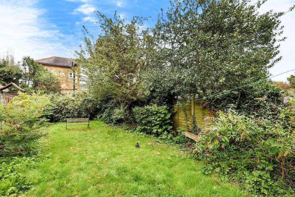 1 Bedroom Flat for sale in Fox Lane, Palmers Green