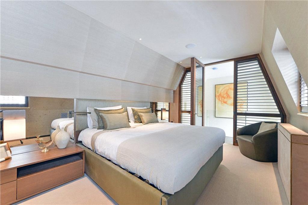 3 Bedrooms Mews House for sale in Upbrook Mews, Bayswater, London, W2