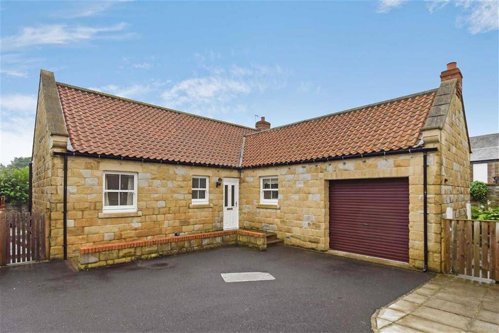3 Bedrooms Detached Bungalow for sale in Ploughmans Close, Burniston, North Yorkshire, YO13