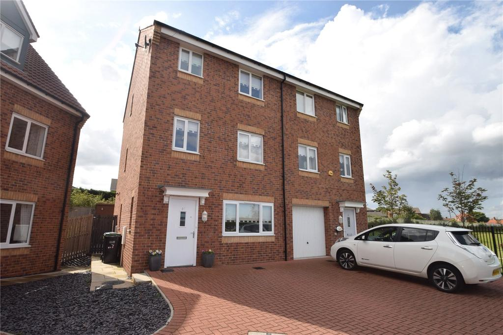 4 Bedrooms Semi Detached House for sale in Mariners Way, Seaham, Co. Durham, SR7