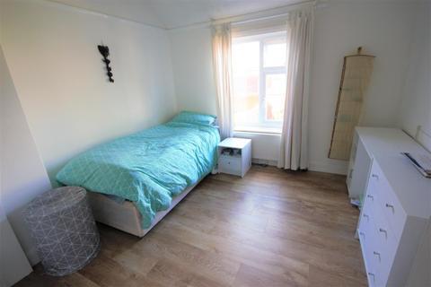 2 bedroom apartment to rent - Coombe Road, Brighton