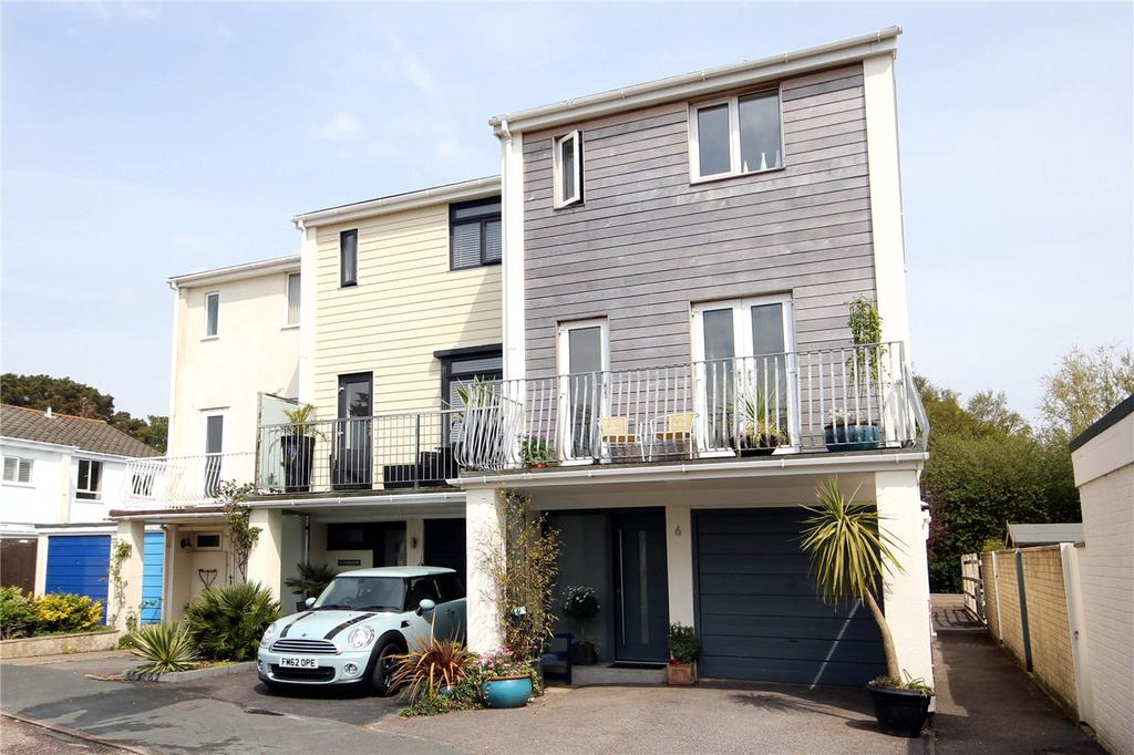 4 Bedrooms End Of Terrace House for sale in Inveravon, Mudeford, Dorset, BH23