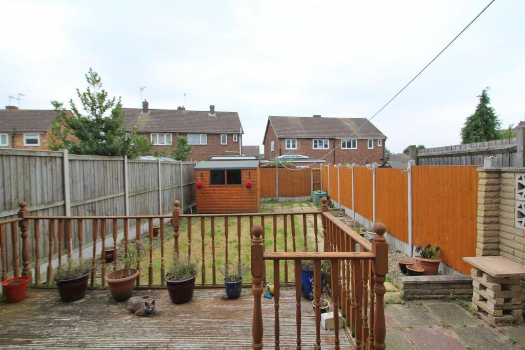 4 Bedrooms Terraced House for sale in Lucas Avenue, Chelmsford, Essex, CM2