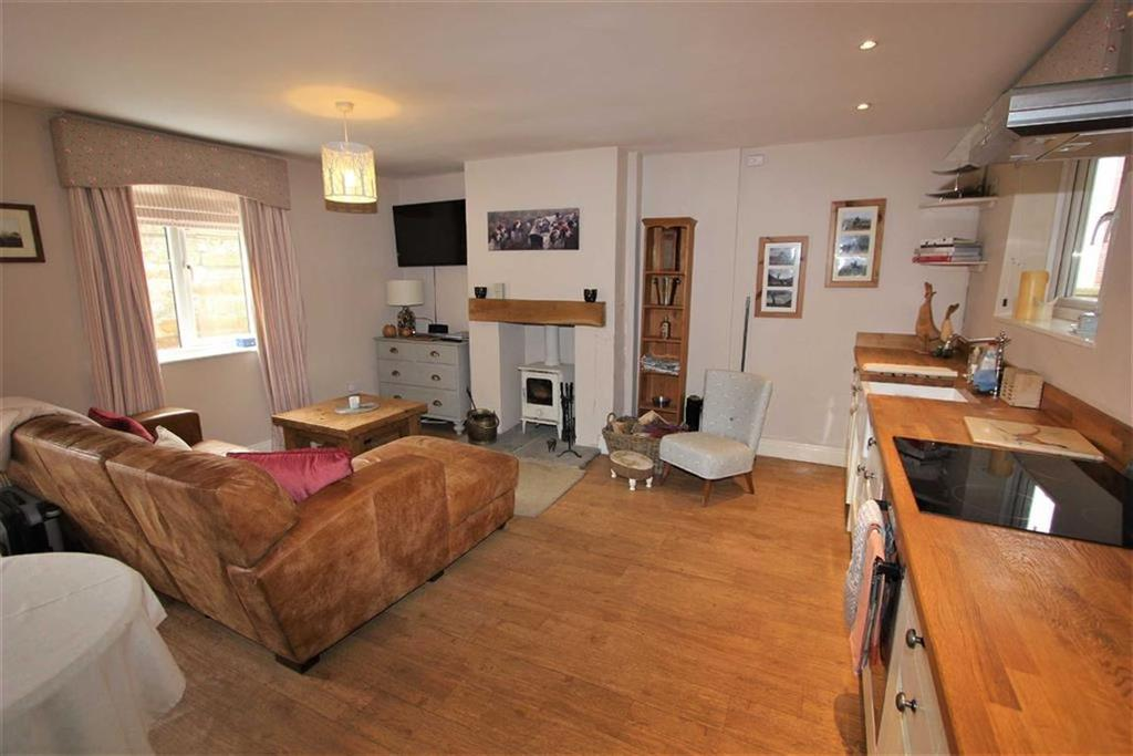 2 Bedrooms Cottage House for sale in High Street, Swainby Northallerton