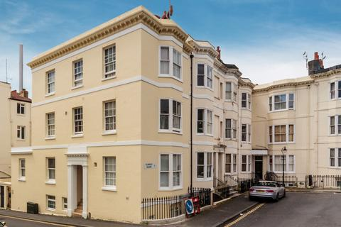 1 bedroom apartment to rent - Clarence Square, Brighton, BN1
