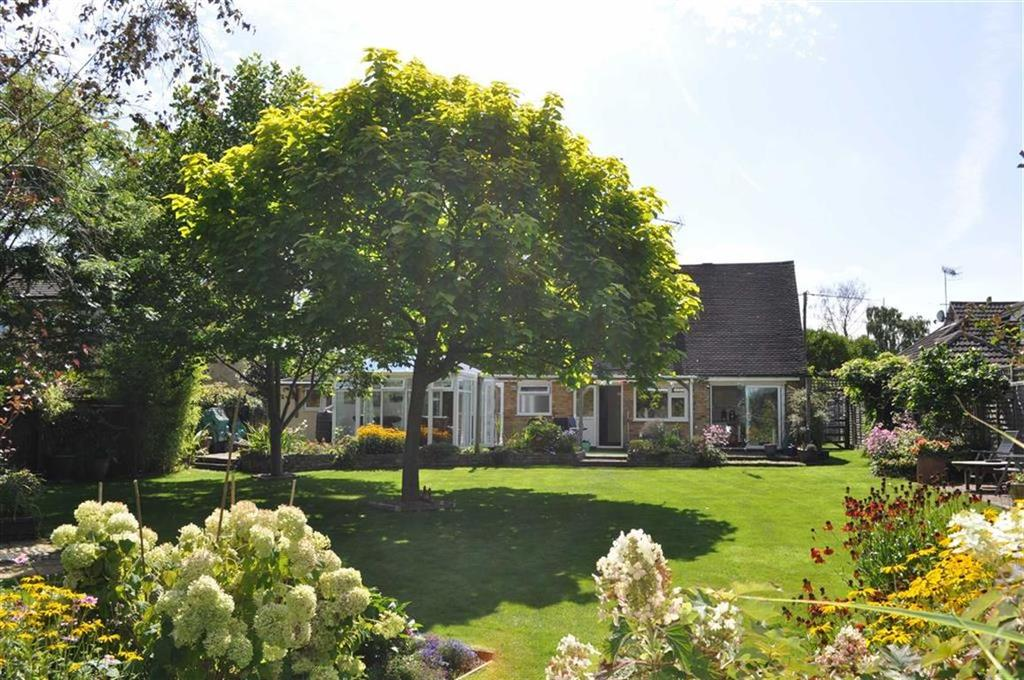 4 Bedrooms Chalet House for sale in Lower Ham Lane, Elstead