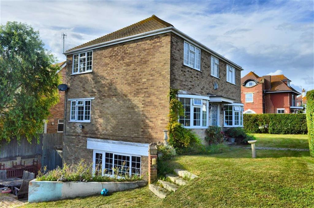 5 Bedrooms Detached House for sale in Fitzgerald Avenue, Seaford, East Sussex