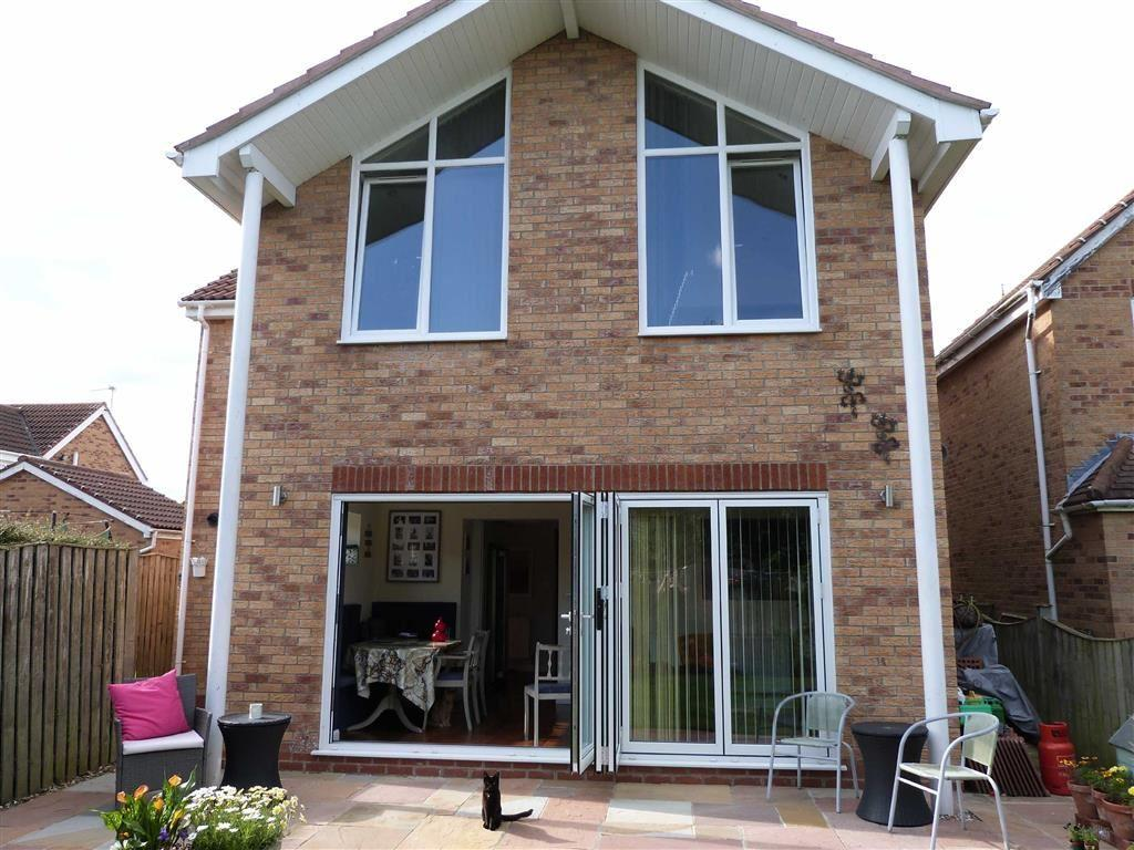 5 Bedrooms Detached House for sale in Dorrington Close, Pocklington