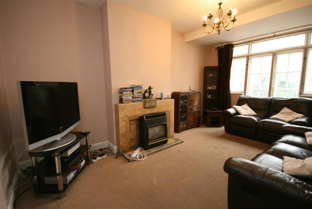 3 Bedrooms Semi Detached House for sale in Hamilton Road, Hayes