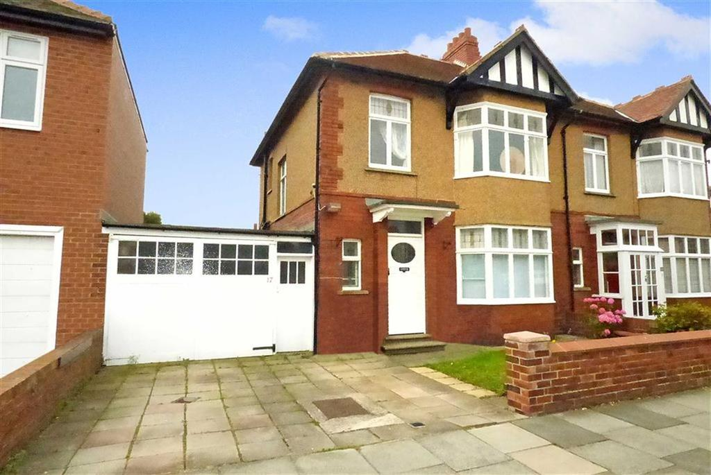 3 Bedrooms Semi Detached House for sale in Queensway, Tynemouth
