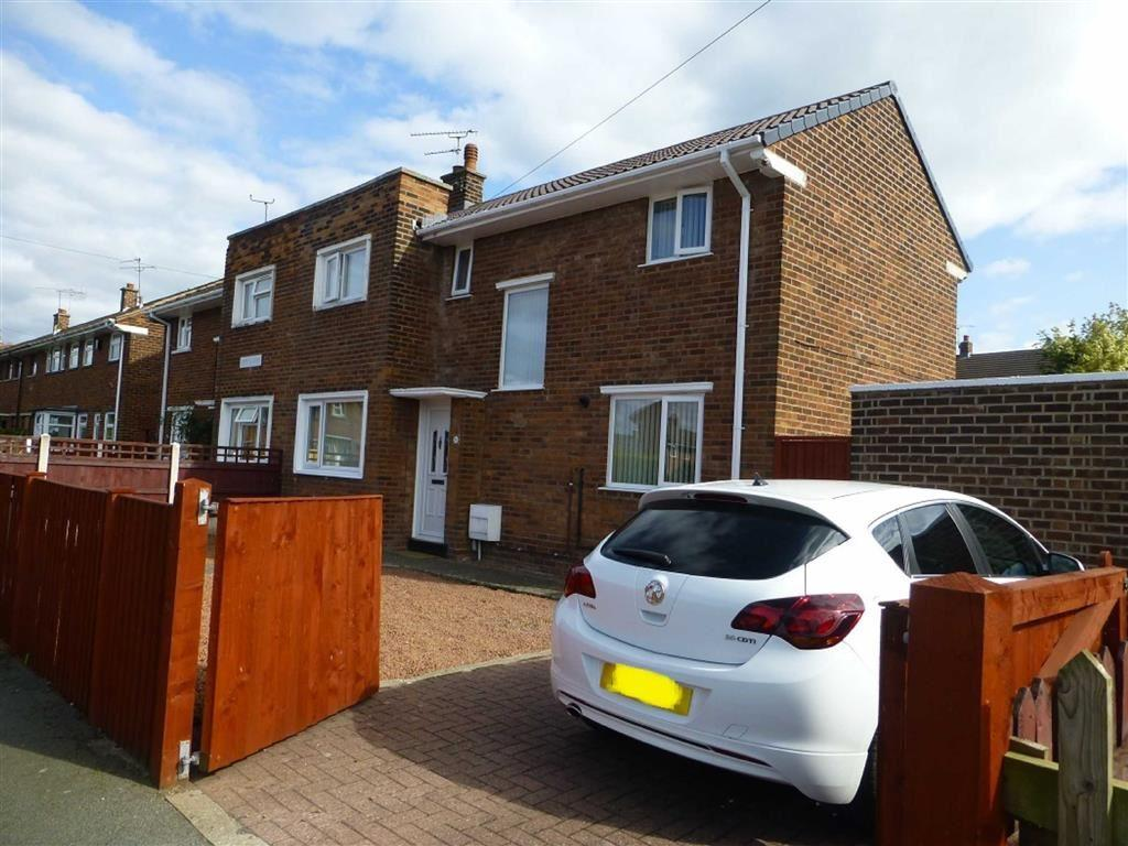 3 Bedrooms Semi Detached House for sale in Ceriog Road, Wrexham