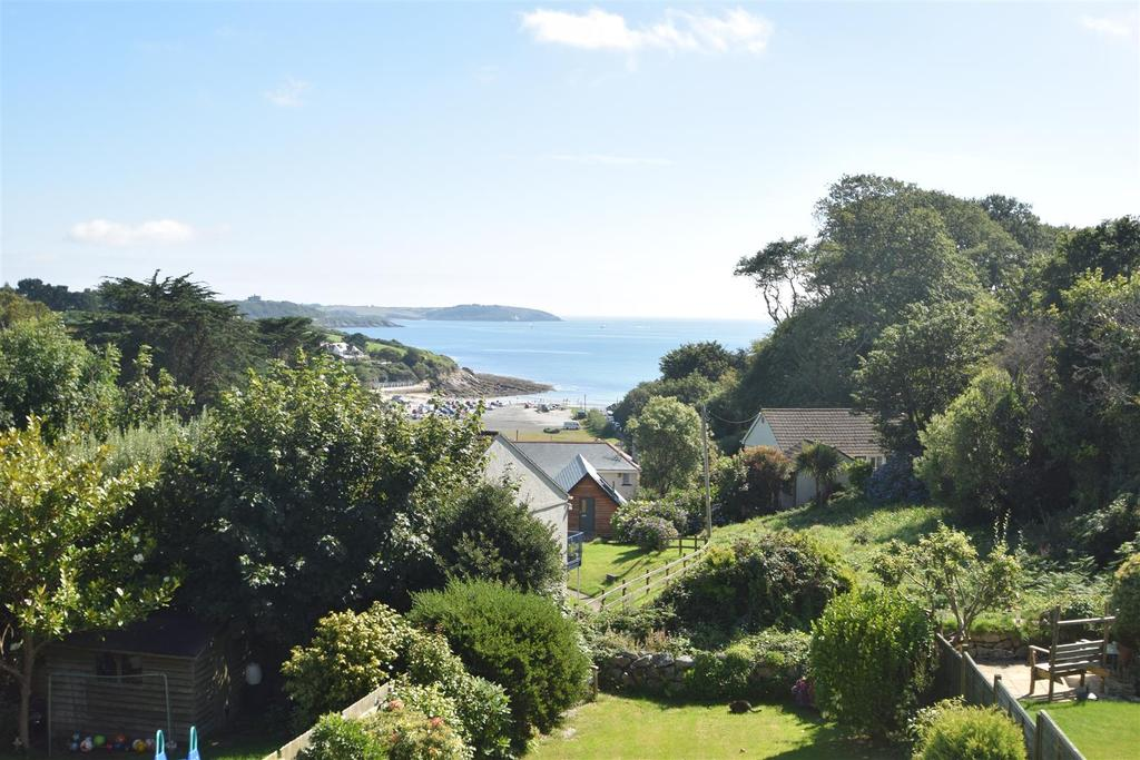 3 Bedrooms Semi Detached House for sale in Boscundle Avenue, Falmouth