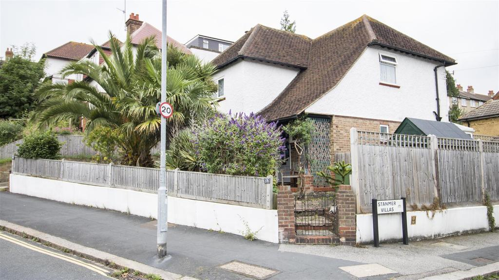 3 Bedrooms Detached House for sale in Hollingbury Crescent