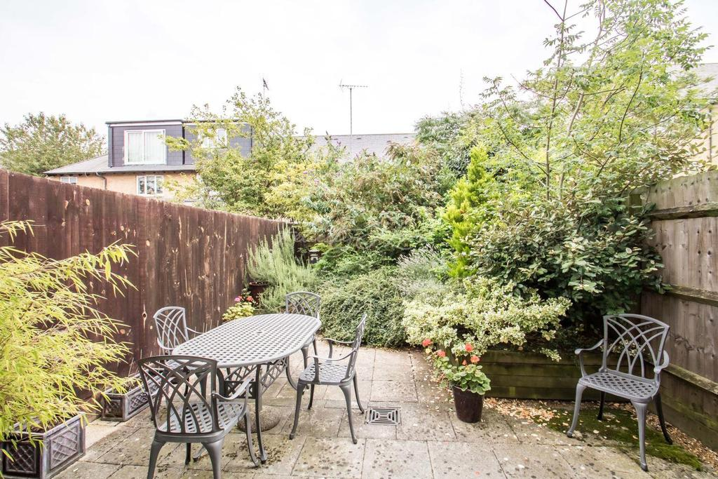 2 Bedrooms Terraced House for sale in Maritime Quay, E14