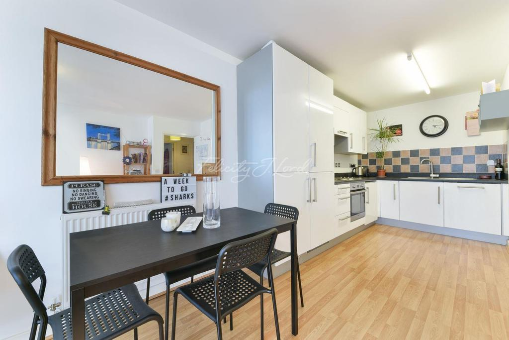 1 Bedroom Flat for sale in John Wetherby Court, E15