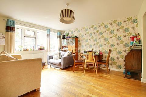 2 bedroom maisonette for sale - Wilson Close, Cambridge, CB4