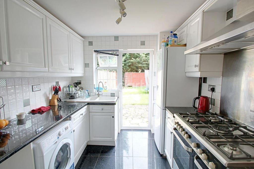 3 Bedrooms Terraced House for sale in Bideford Gardens