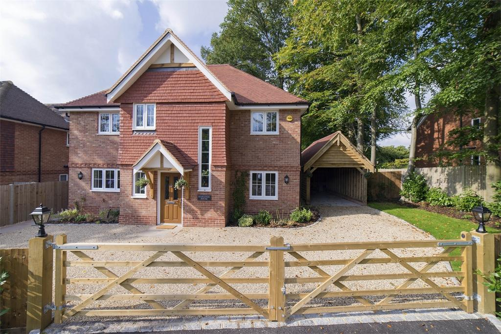 4 Bedrooms Detached House for sale in Hindhead, Hampshire