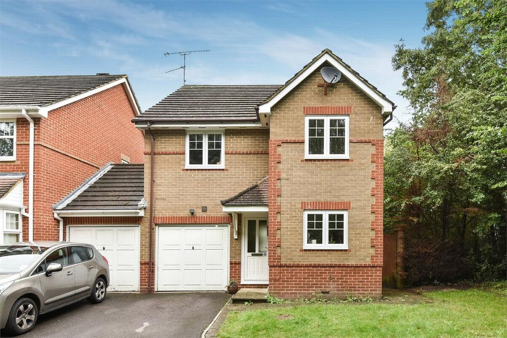 3 Bedrooms Detached House for sale in Farnborough, Hampshire