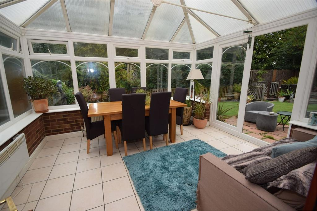 3 Bedrooms Detached House for sale in Aintree Road, Lordswood, Kent