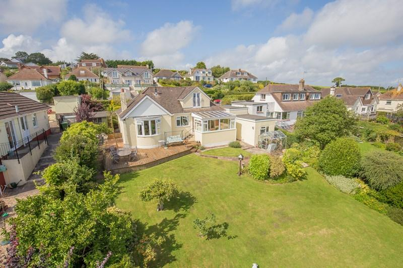 4 Bedrooms Detached Bungalow for sale in Alta Vista Close, Teignmouth