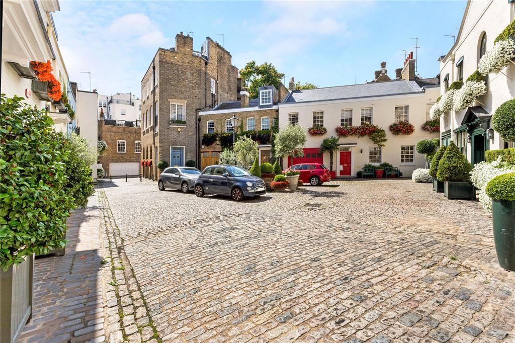 2 Bedrooms Flat for sale in The Courtyard, Wilton Row, Belgravia, London