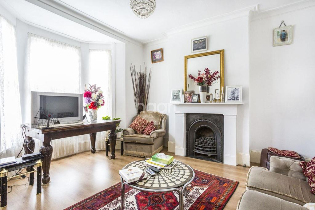 4 Bedrooms End Of Terrace House for sale in Argyll Close, Brixton, SW9