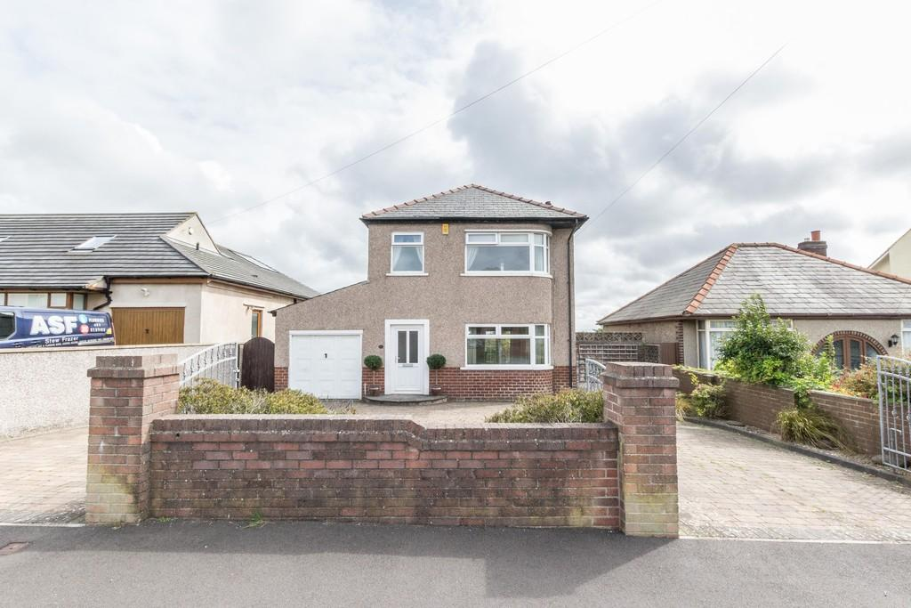 3 Bedrooms Detached House for sale in Rakesmoor Lane, Barrow-In-Furness