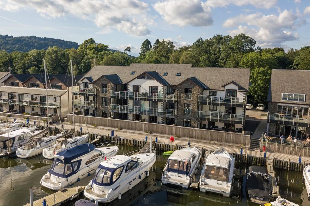 3 Bedrooms Ground Flat for sale in 39 Windermere Apartments, Windermere Marina Village, Bowness On Windermere, Cumbria, LA23