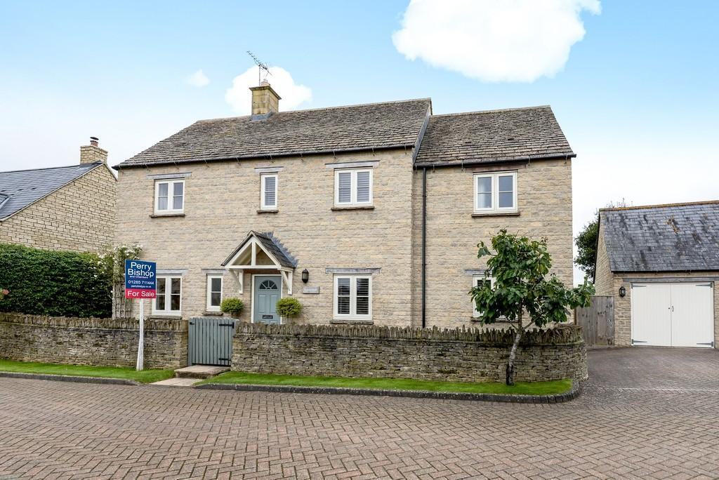 4 Bedrooms Detached House for sale in Fairford