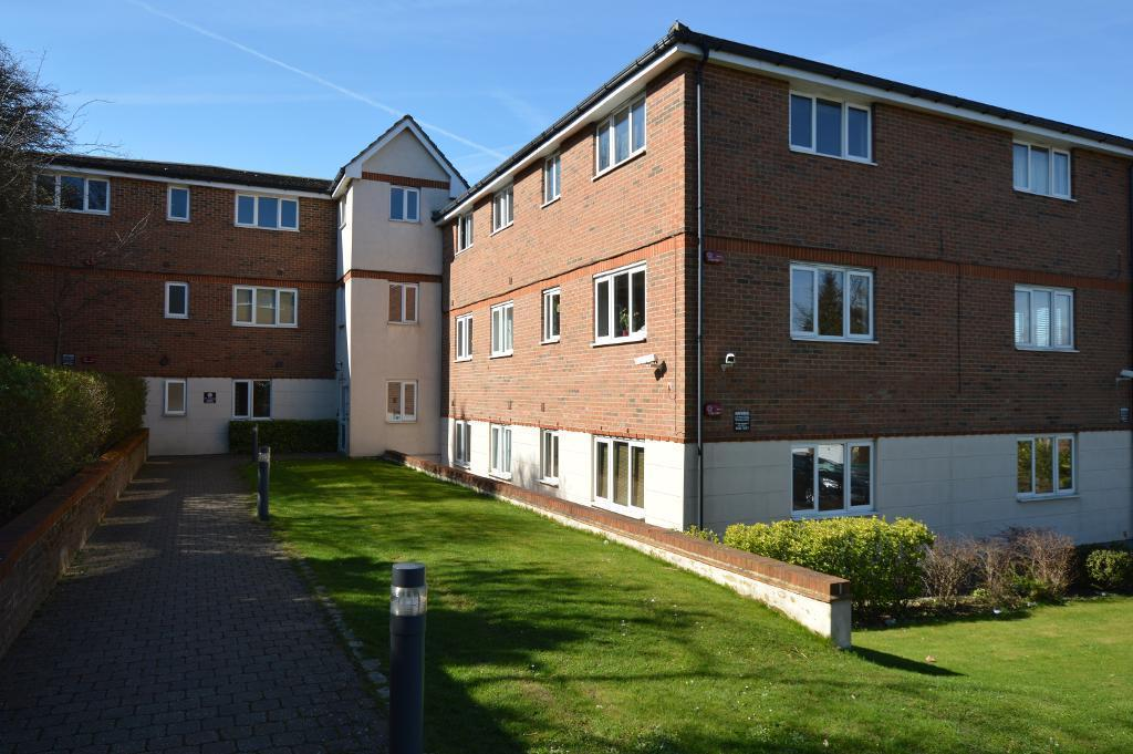 1 Bedroom Apartment Flat for sale in Treetops Close, Luton, LU2 0JZ