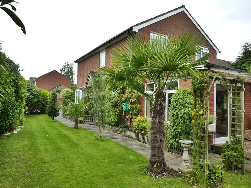 5 Bedrooms Detached House for sale in TWYFORD