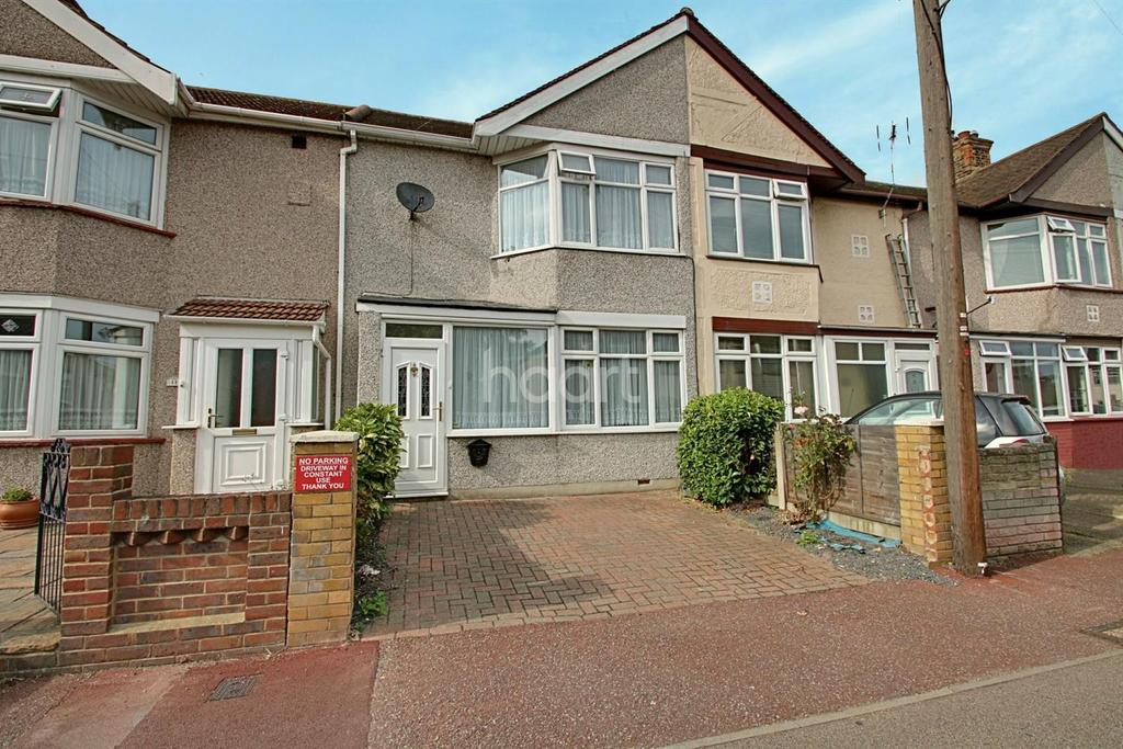 3 Bedrooms Terraced House for sale in James Avenue, Dagenham