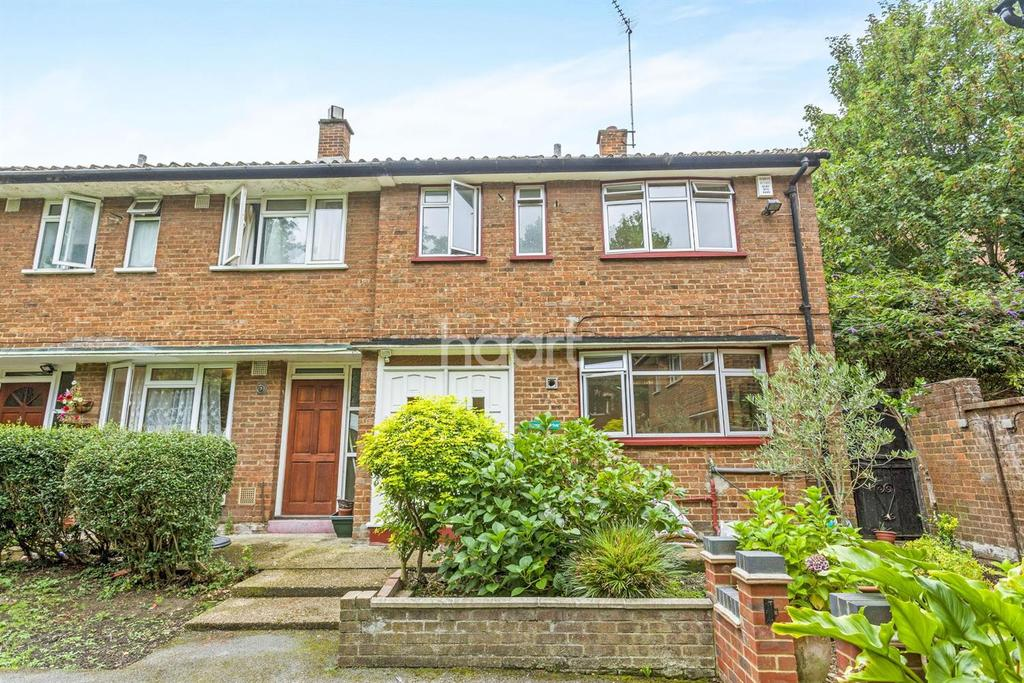 3 Bedrooms End Of Terrace House for sale in Urmston Drive, Southfieds