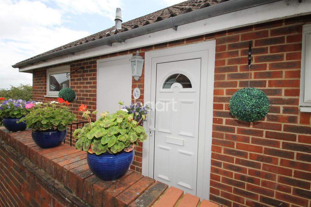 1 Bedroom Flat for sale in Moggs Mead, Petersfield