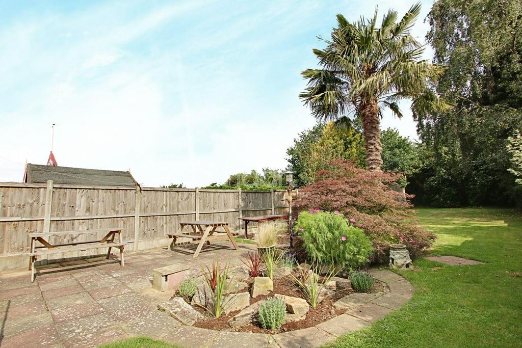3 Bedrooms Bungalow for sale in Maltings road, Brightlingsea, CO7