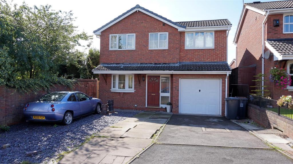 4 Bedrooms Detached House for sale in Longclough Road, Waterhayes, Newcastle